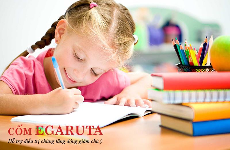 Hội chứng Tic và tăng động giảm chú ý thường dễ dàng phát hiện khi trẻ 7 tuổi